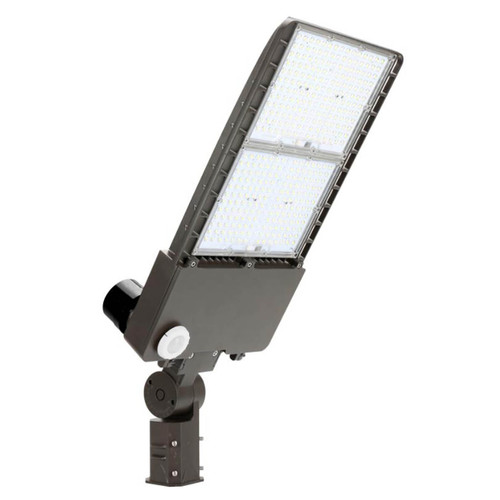 LED Area Light - 300W - 41000 Lumens - Dimmable