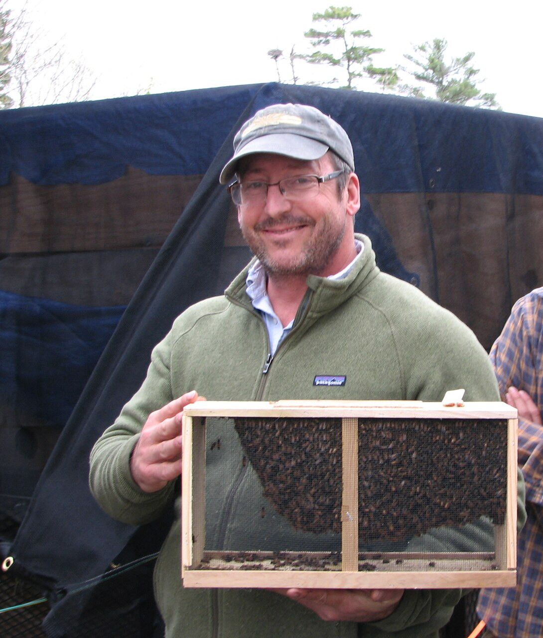 A happy customer with a beautiful 3# package of live honey bees for sale