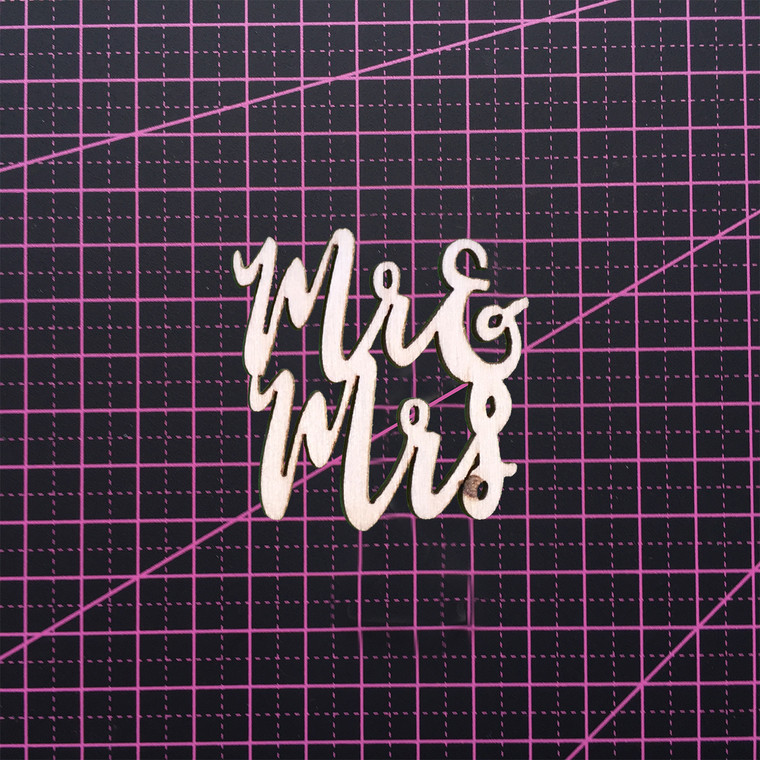 Wooden Sentiment - Mr and Mrs