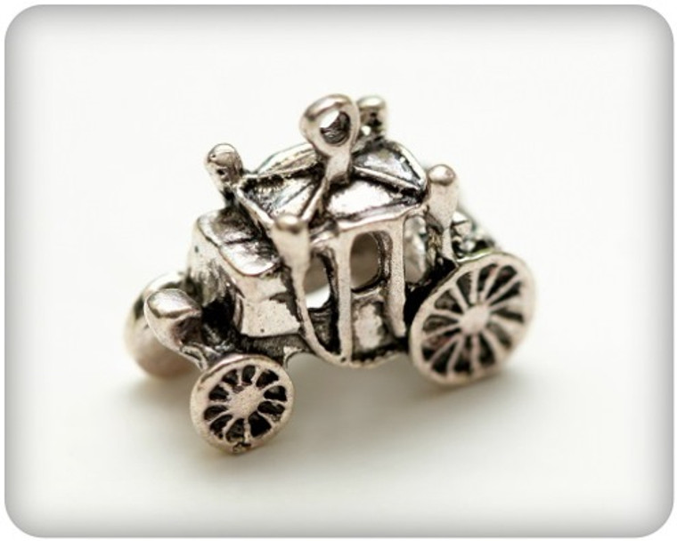 Scrapberry's - Metal Charms - Silver Coach - 5 pcs - (SCB250122551)  Scrapberry's pack of 5 metal charms/embellishments. Small Silver Coaches, approximate size of each charm = 21x18mm.  These items are not toys, and are not suitable for children.  They are designed for use as charms or embellishments in all your scrapbooking projects, card making and much more.