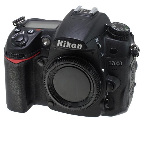 USED NIKON D7000