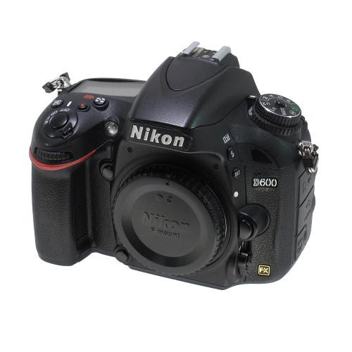 USED NIKON D600