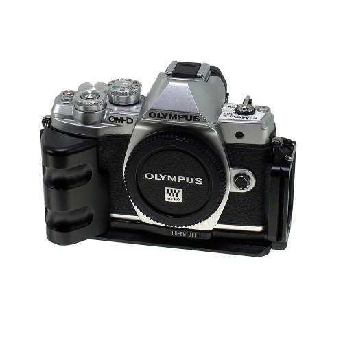 USED OLYMPUS OM-D EM-10 III W/L-BRACKET