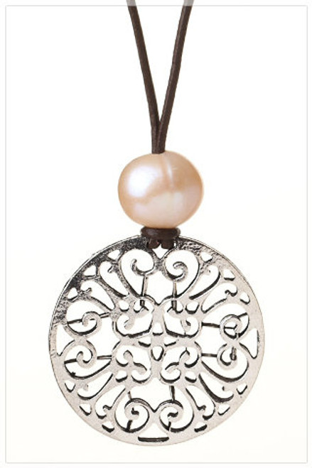 FLOWER Pendant Pearl Leather Necklace
