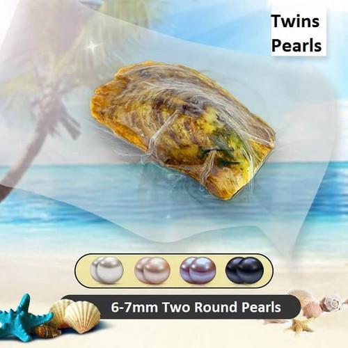 Pearl Inside Clam - ©PearlsIsland.com