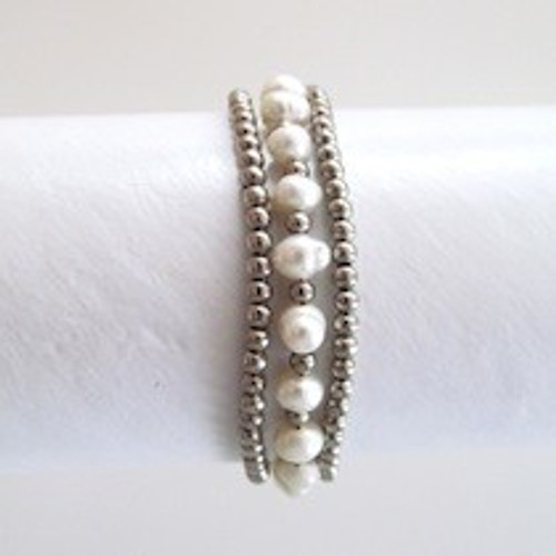 White Pearl and Silver Beaded Bracelet