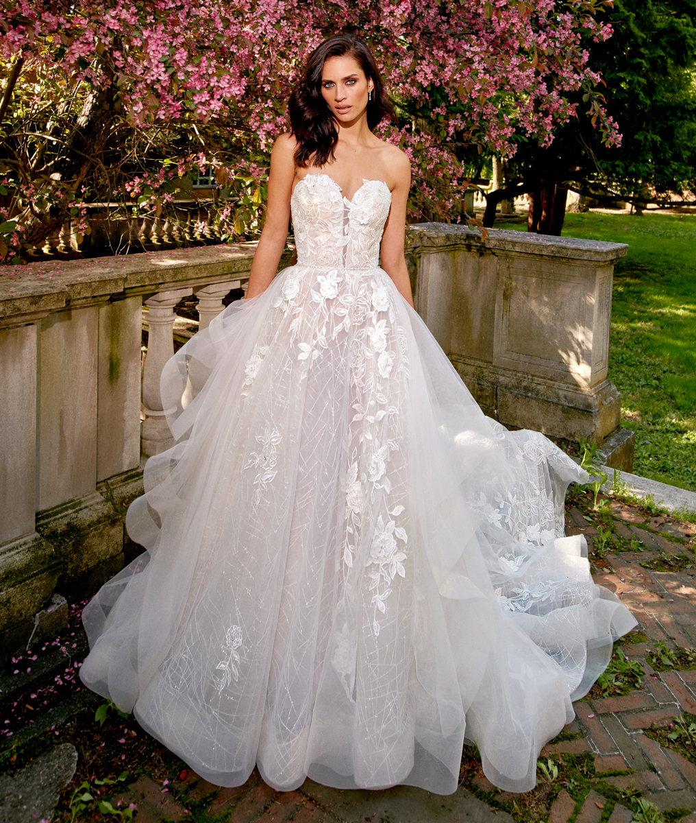 Eve of Milady Bridals 0137215