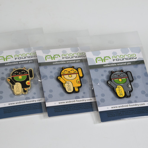 Gray Lucky Cat Android Pin