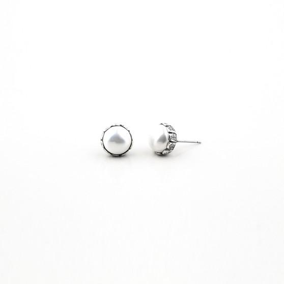 Pretty In Pearl Stud Earring