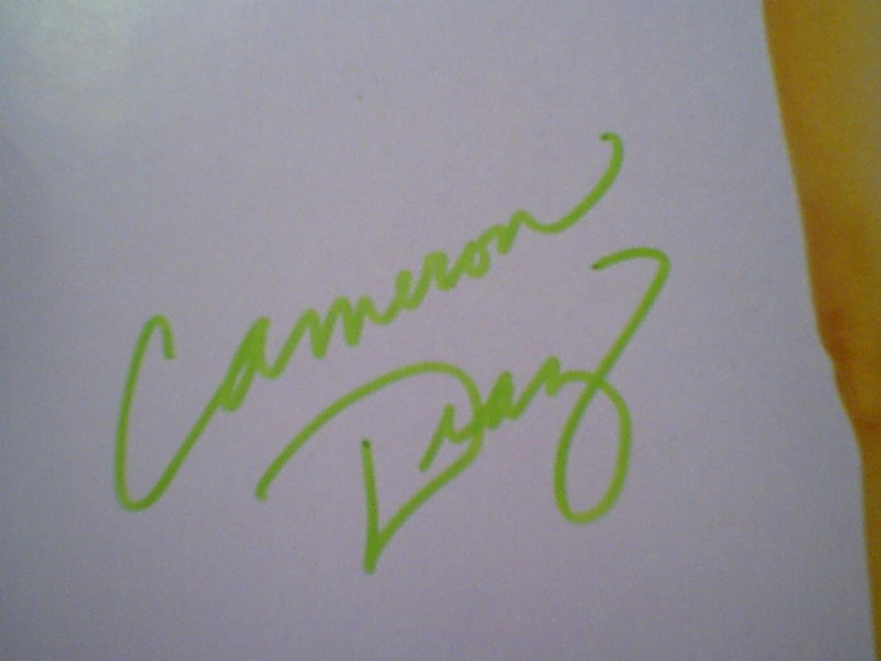 Diaz, Cameron Color Photo Signed Autograph Cheesecake