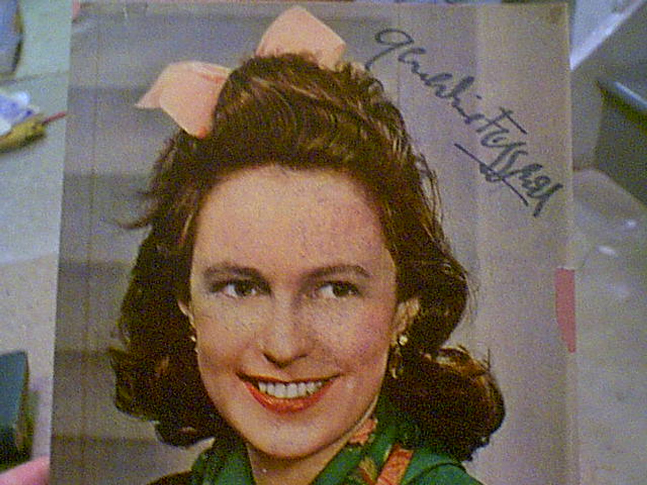 Fitzgerald, Geraldine Early Color Photo Signed Autograph