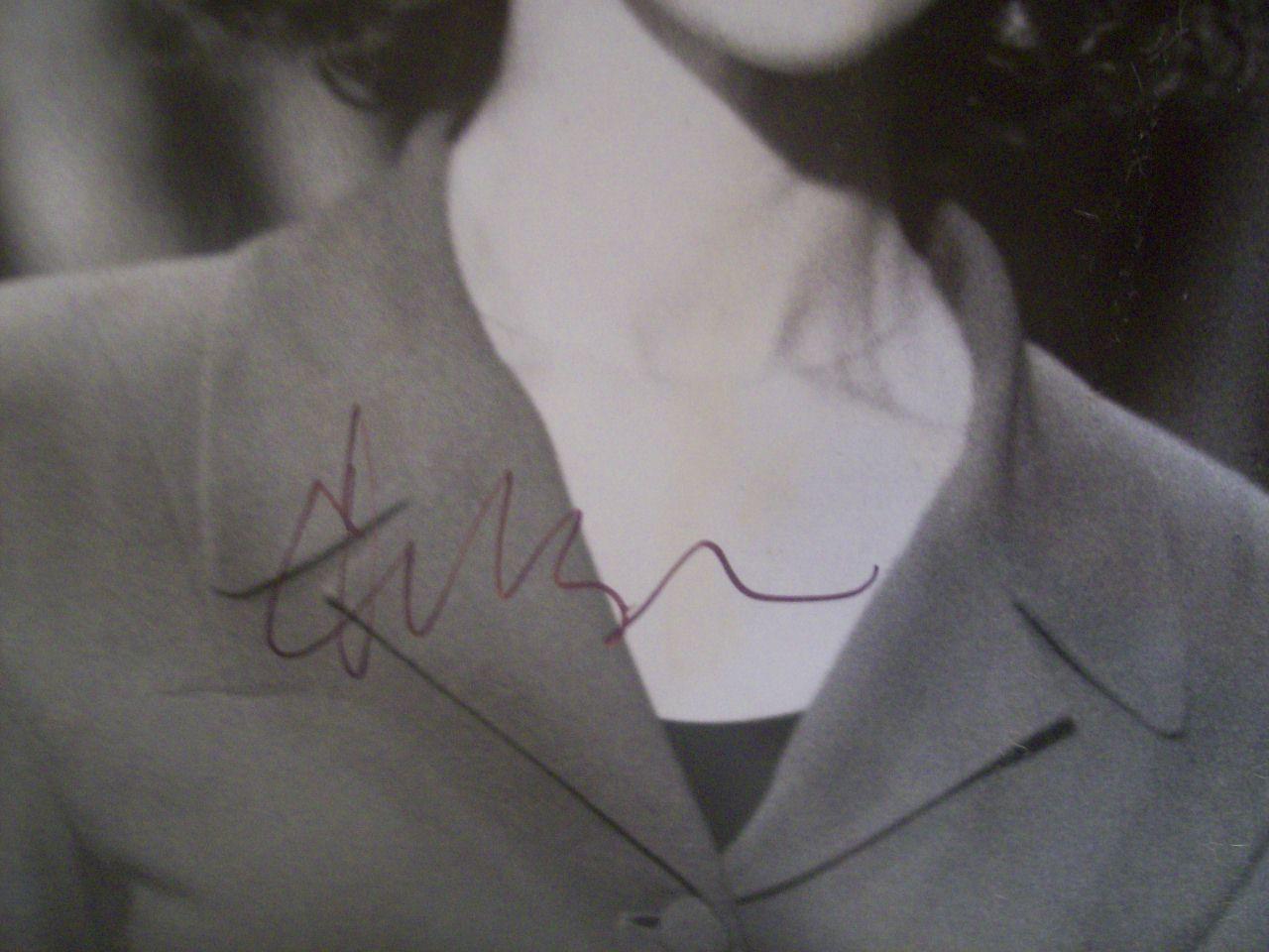 Greene, Ellen Photo Signed Autograph Talk Radio 1988
