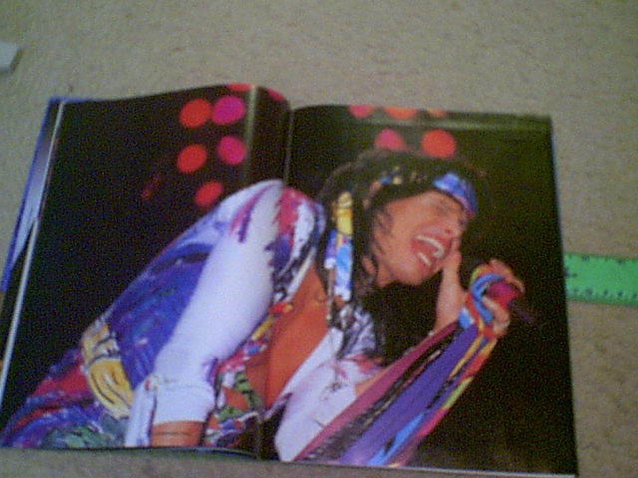 Aerosmith 1988 Magazine Signed Steve Tyler Joe Perry Tom Hamilton Autograph Color Photos With Color Poster