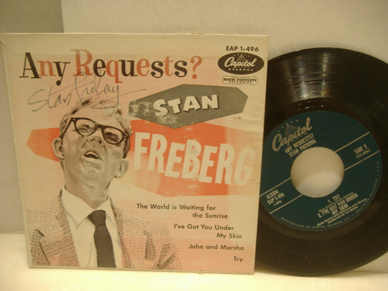 Freberg, Stan Ep Signed Autograph 7 Inch With Pic Cover Any Requests?