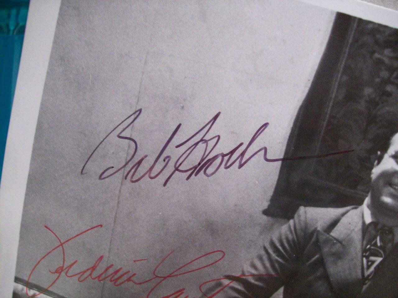 Hoskins, Bob Veronica Cartwright Richard Dreyfuss Photo Signed Autograph Inserts 1976