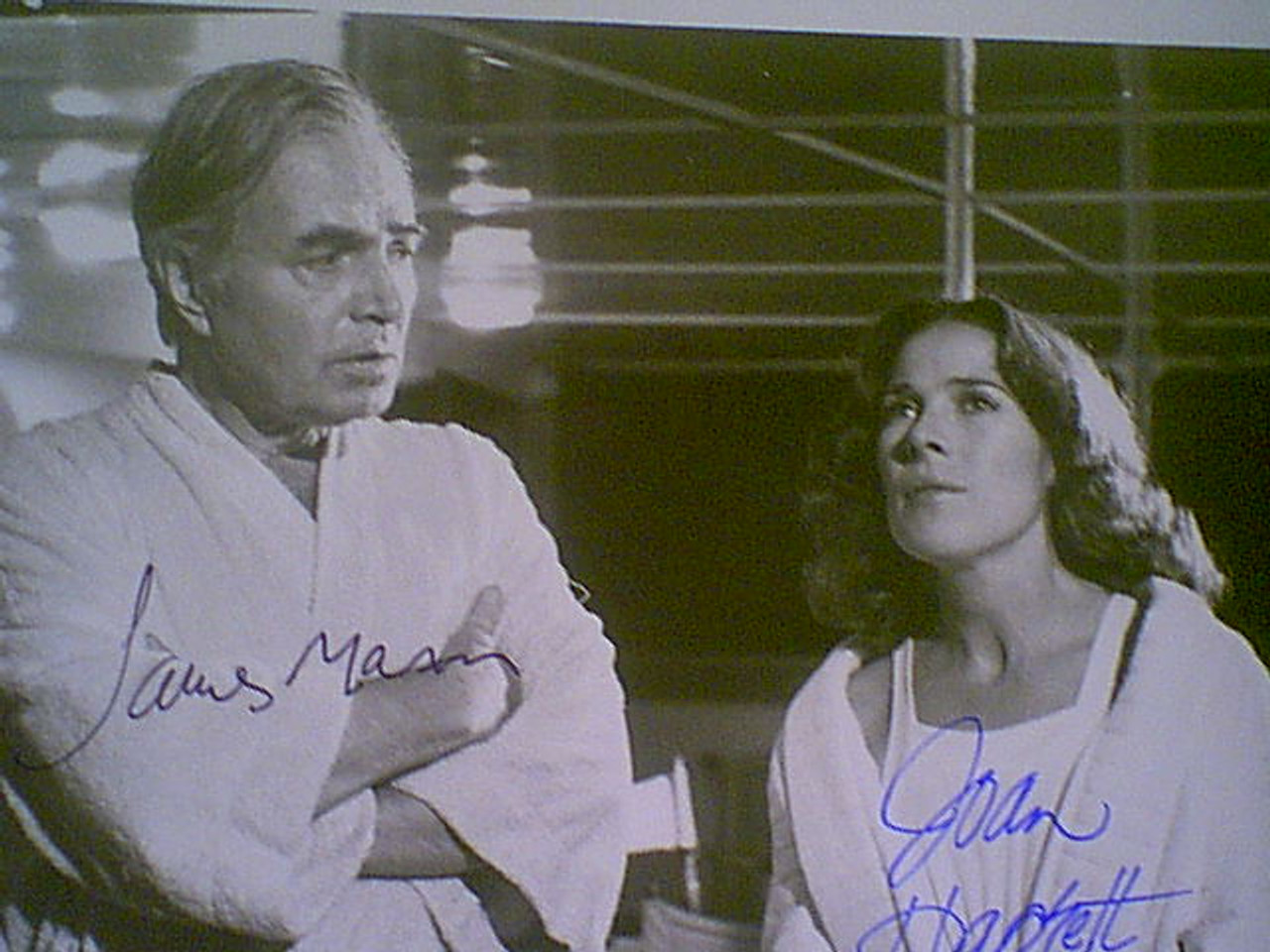 "Mason, James & Joan Hackett 1973 Photo ""The Last Of Sheila"" Signed Autograph Movie Scene"