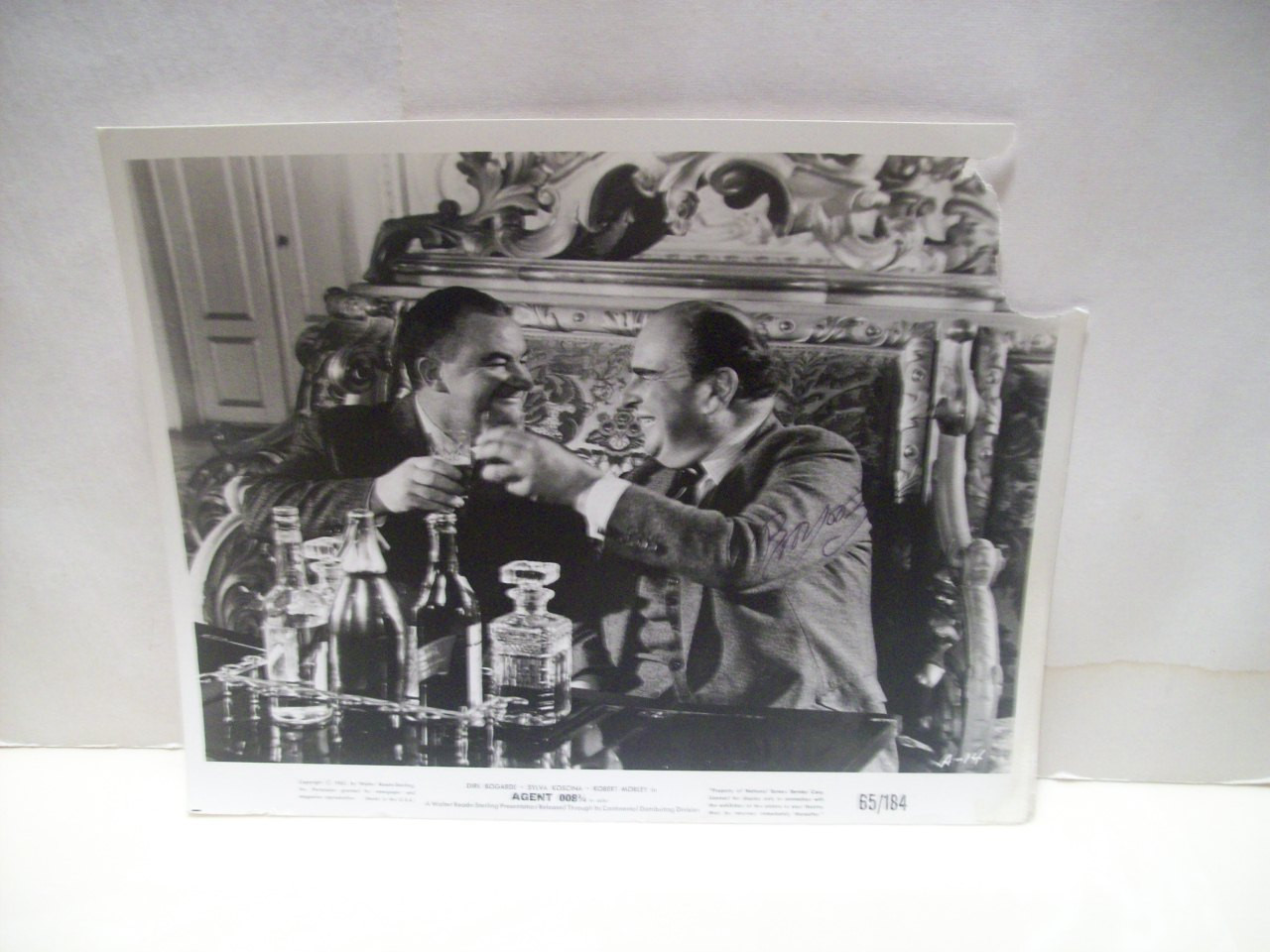 Morley, Robert Photo Signed Autograph Hot Enough For June Agent 008 3/4 1964