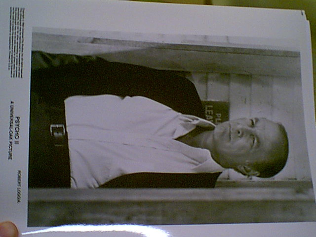 "Perkins, Tony & Robert Loggia ""Psycho Ii"" 1983 Press Kit Signed Autograph 15 Photos"