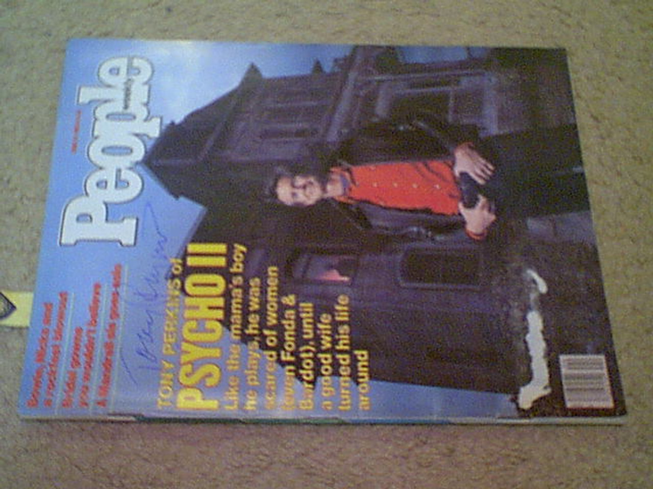 """Perkins, Tony Anthony """"People"""" Magazine 1983 Signed Autograph Color Cover Photo """"Psycho II"""""""