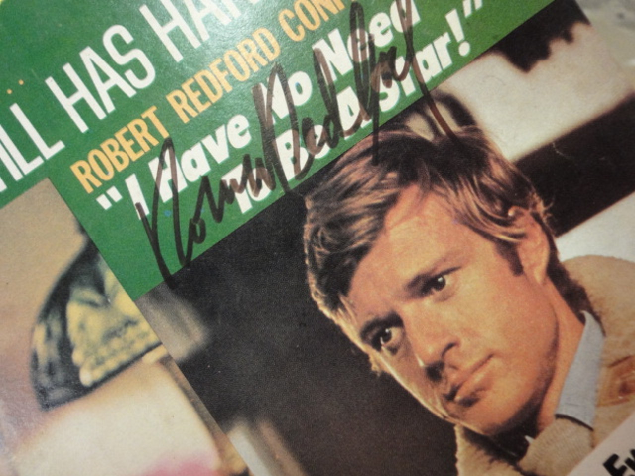 """Redford, Robert and Goldie Hawn """"Movie TV Spotlight"""" Magazine 1970 Signed Autograph Color Cover Photos"""