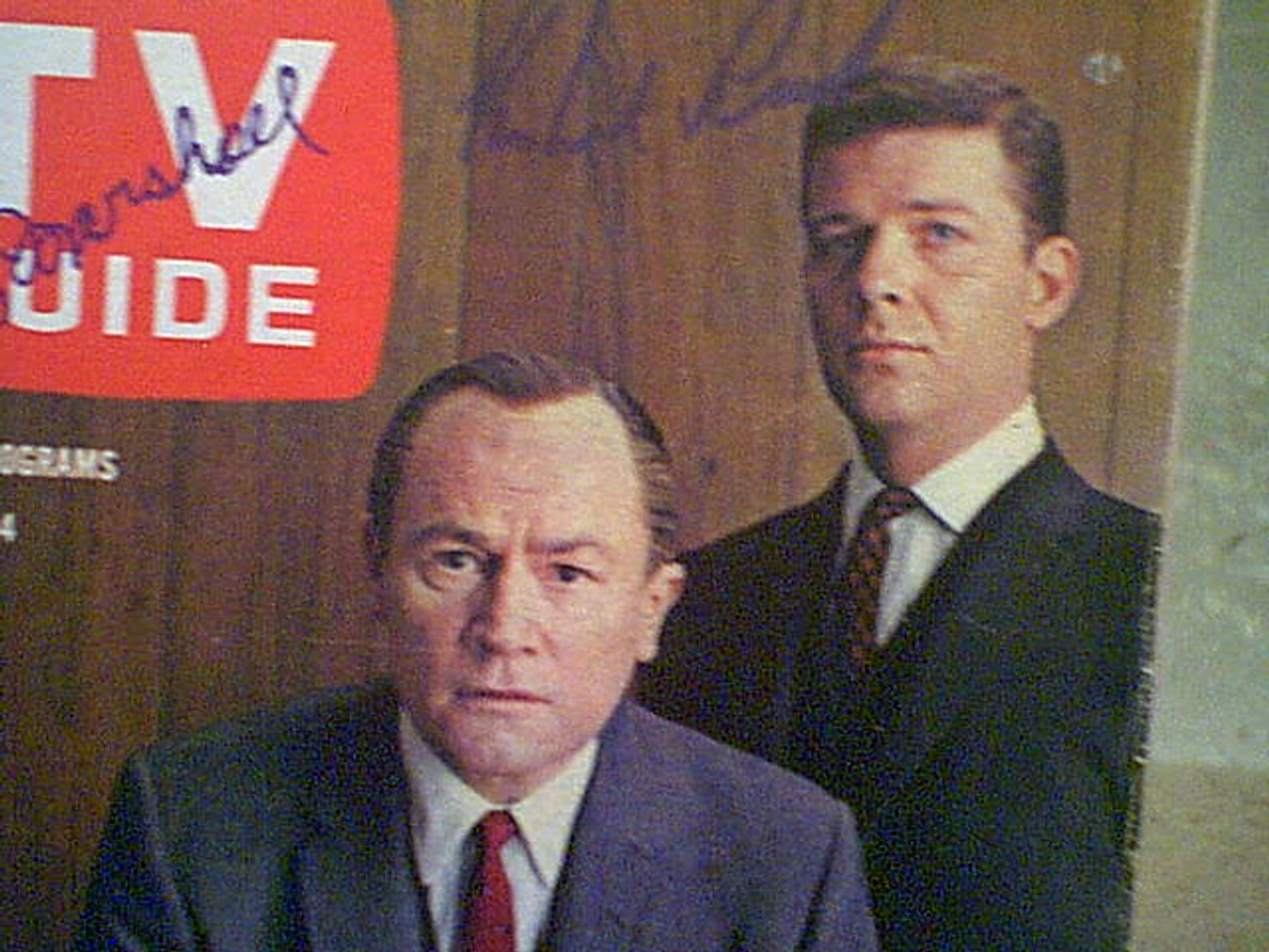 """Reed, Robert and E.G. Marshall TV Guide Magazine 1963 Signed Autograph """"The Defenders"""" Color Cover Photo"""