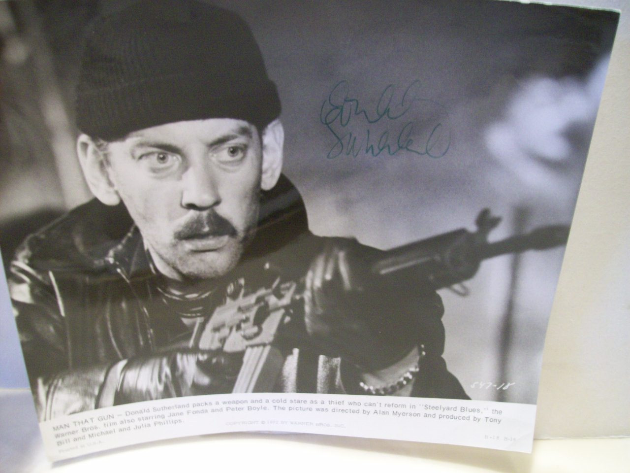Sutherland, Donald Photo Signed Autograph Steelyard Blues 1972