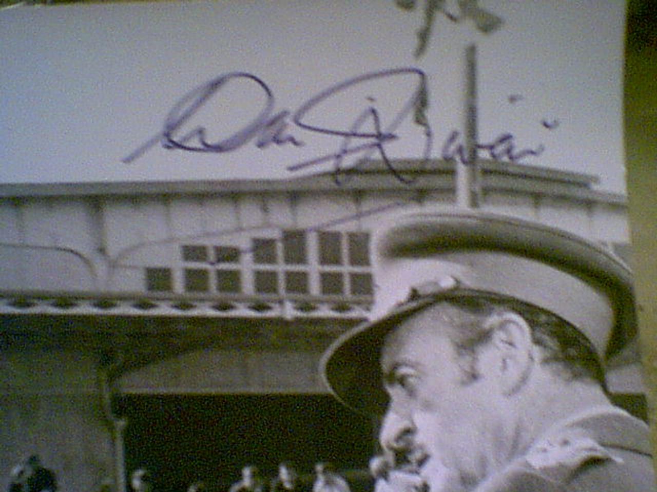 """Wallach, Eli And David Niven """"The Brain"""" 1969 Photo Signed Autograph Movie Scene"""