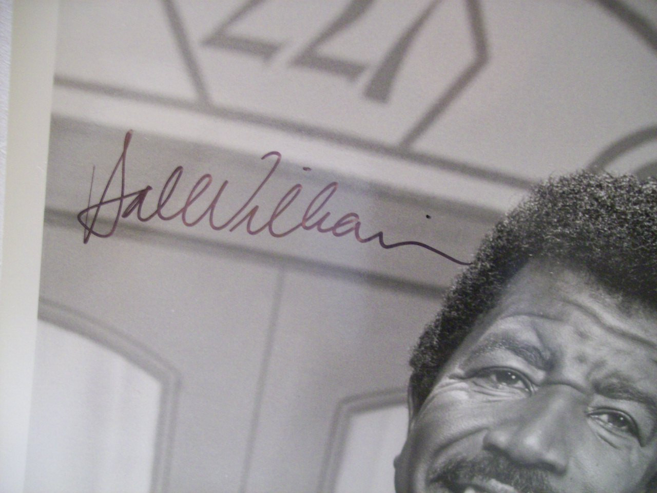 Williams, Hal Photo Signed Autograph 227 1985