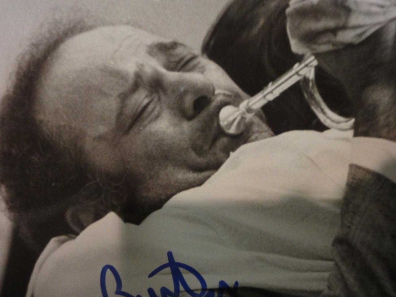 """Young, Burt Photo Signed Autograph 1978 """"Uncle Joe Shannon"""""""