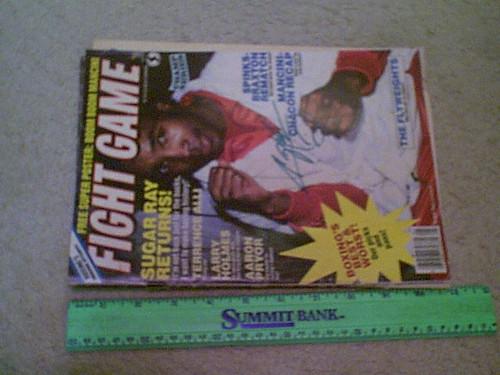Leonard, Sugar Ray Fight Game Magazine 1984 Signed Autograph Color Cover Photo Boxing