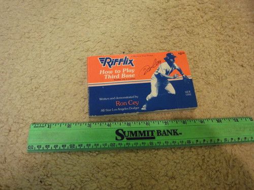 """Cey, Ron """"How To Play Third Base"""" 1977 Rifflix Flip Book Signed Autograph Photos Baseball"""