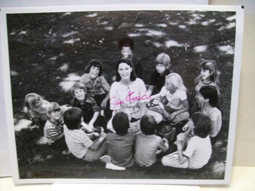 Alexander, Jane Photo Signed Autograph A Circle Of Children 1980