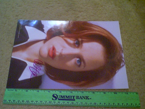 """Anderson, Gillian Color Photo """"The X Files"""" Signed Autograph"""