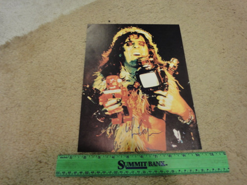 Alice Cooper Color Photo Signed Autograph In Concert