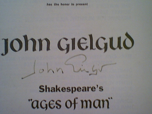 """Gielgud, John """"Shakespeare's Ages Of Man"""" 1960 Theatre Program Signed Autograph"""