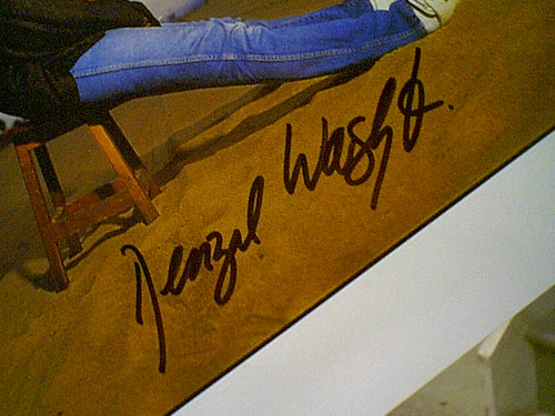 Washington, Denzel Color Photo Signed Autograph