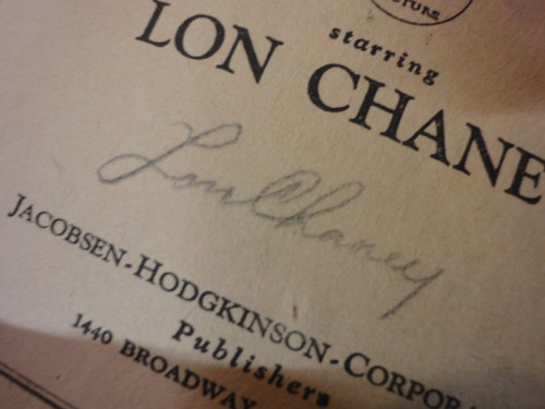 """""""The Mocking Bird""""-1925-Jacobsen Hodgkinson Corp-5"""" X 8""""-138 pages-Softcover Book-With Photos-Signed By Lon Chaney Sr. and Tod Browning"""