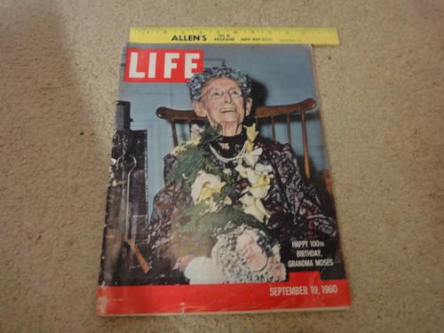 Grandma Moses Life Magazine 1960 Signed Autograph Photos