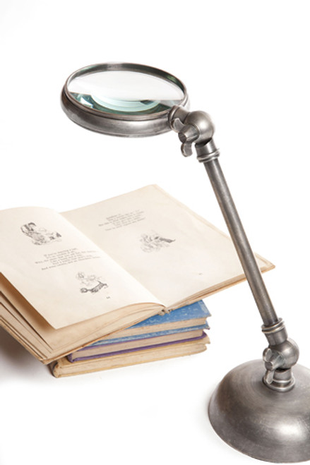 Hampton Magnifying Glass on Stand Antique Brass