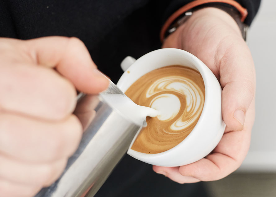 Pouring a second Dot for a tulip design