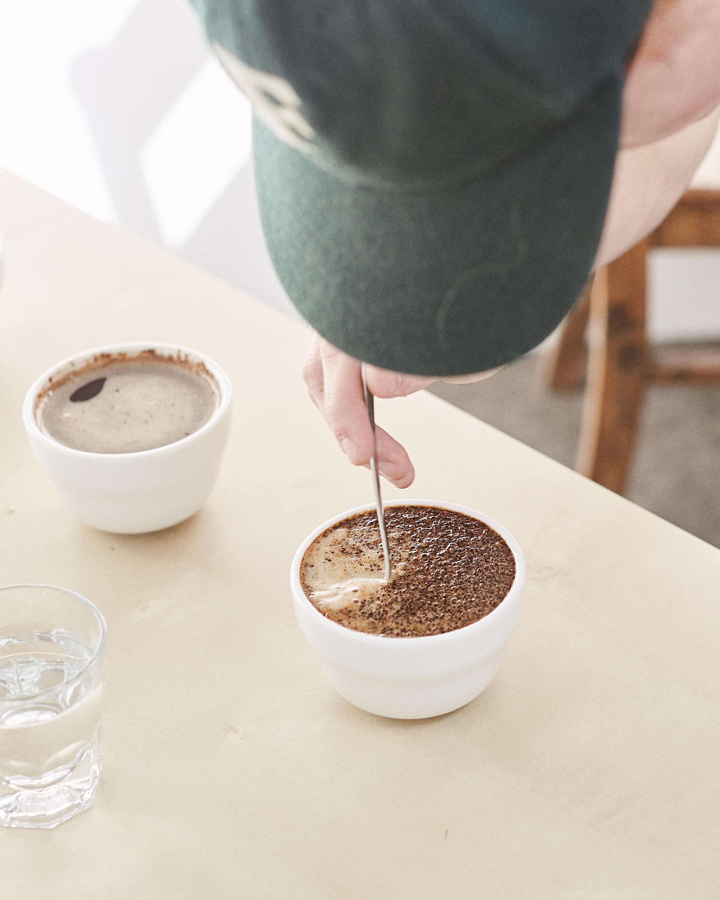 cupper breaking the crust