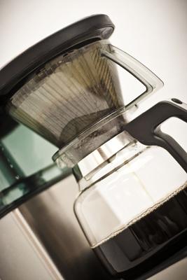 Bonavita glass carafe auto brewer closeup