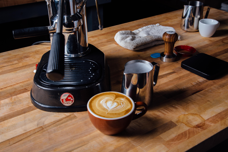 Home espresso equipment with latte art