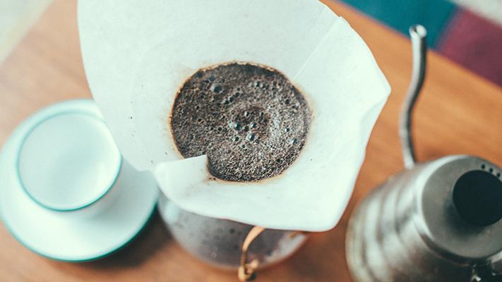 Chemex brewing coffee