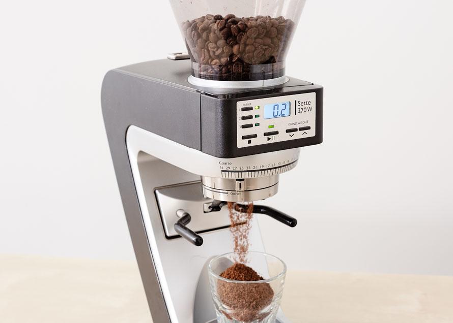 Sette grinding coffee