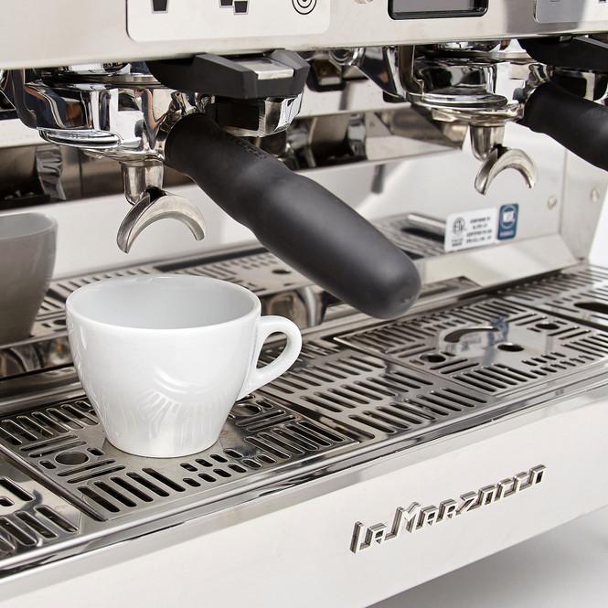 La Marzocco KB90 AV Auto-Volumetric Espresso Machine, Cup Tray Scale Detail