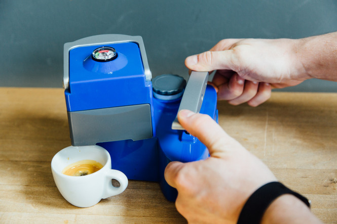 Uniterra Nomad Espresso Maker Manually Control your Pressure