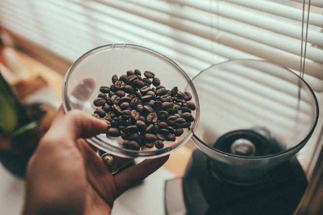Baratza Encore Coffee Maker with coffee beans
