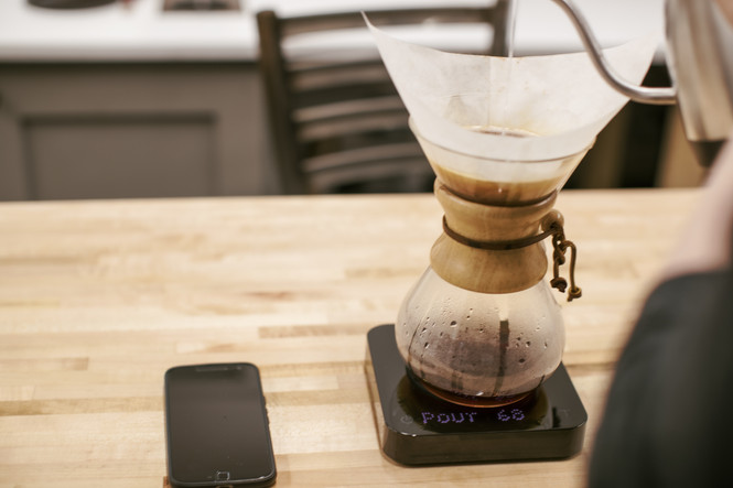 Acaia Pearl Model S Brewing Scale Black Chemex and Phone