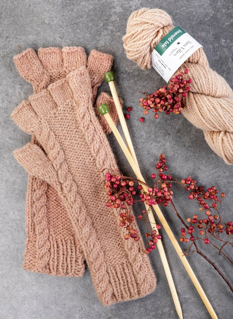 Aidan Fingerless Gloves Yarn Vibes 100% Organic Knit Kit